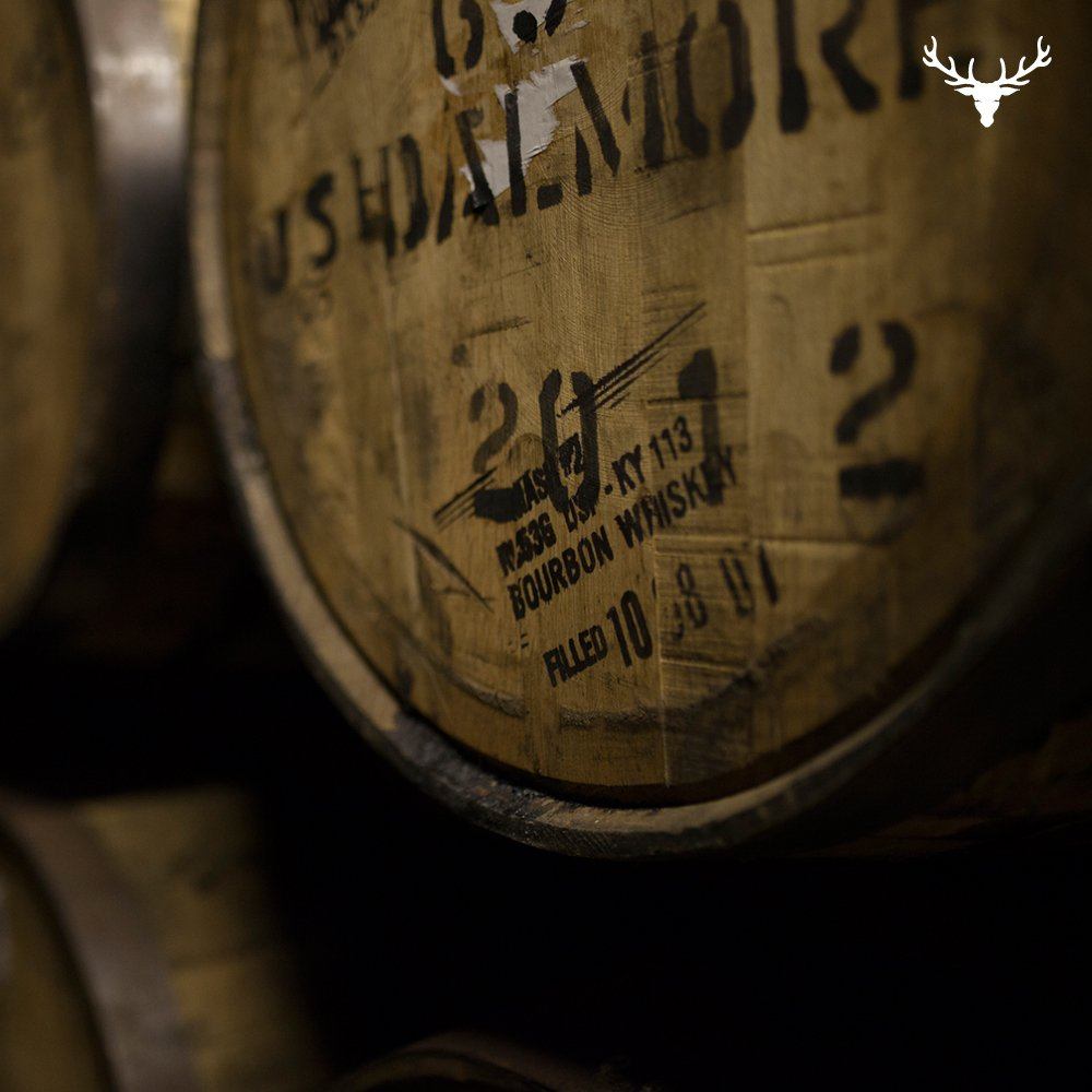 American white oak ex-bourbon casks from the Ozark mountain's give The Dalmore rich notes of vanilla & toffee. https://t.co/SFjp9P1gft