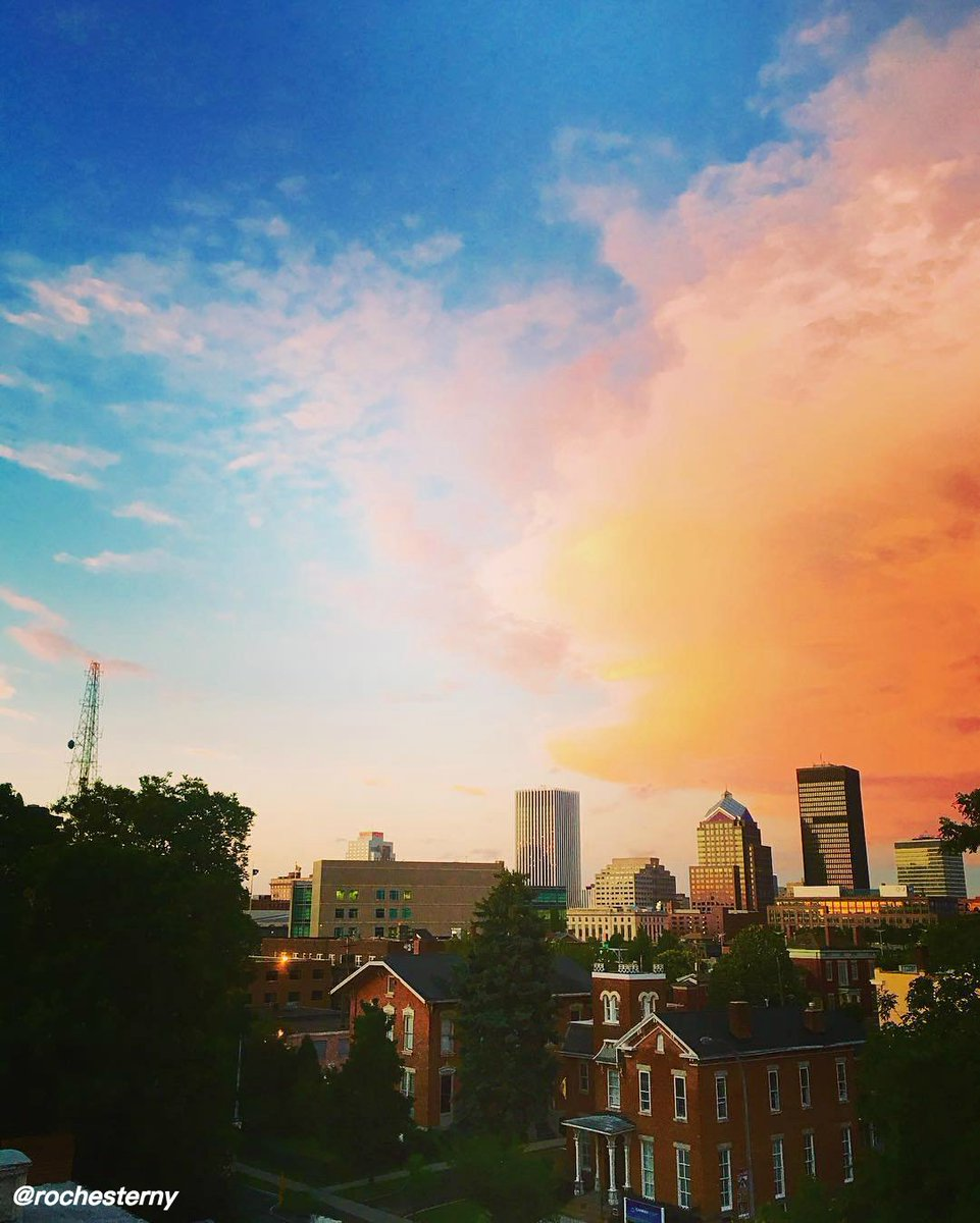 Sunsets above Rochester = perfection. Spend your weekend right here