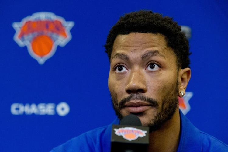 Woman suing Derrick Rose for gang-rape says @nyknicks star kept asking her for a foursome