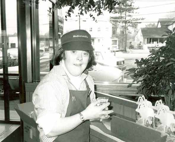 Community celebrates McDonald's employee w/ Down syndrome, who's retiring after 32 years