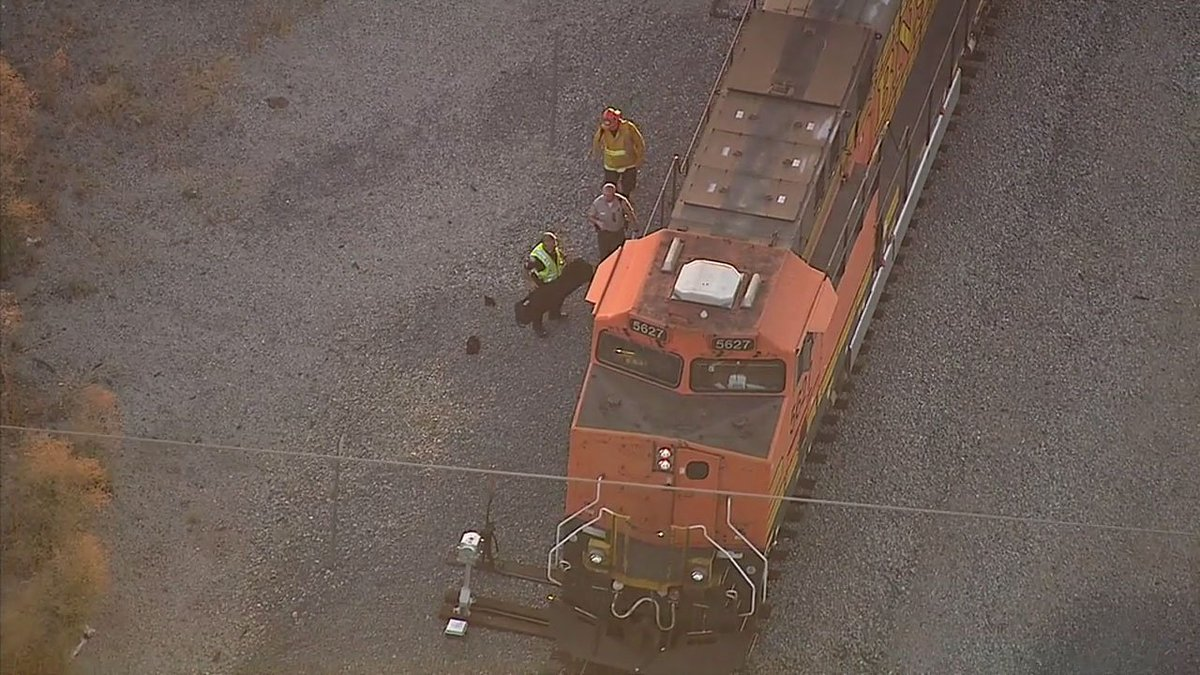 Metrolink that fatally struck pedestrian in Northridge was headed from downtown LA to Moorpark; delays expected