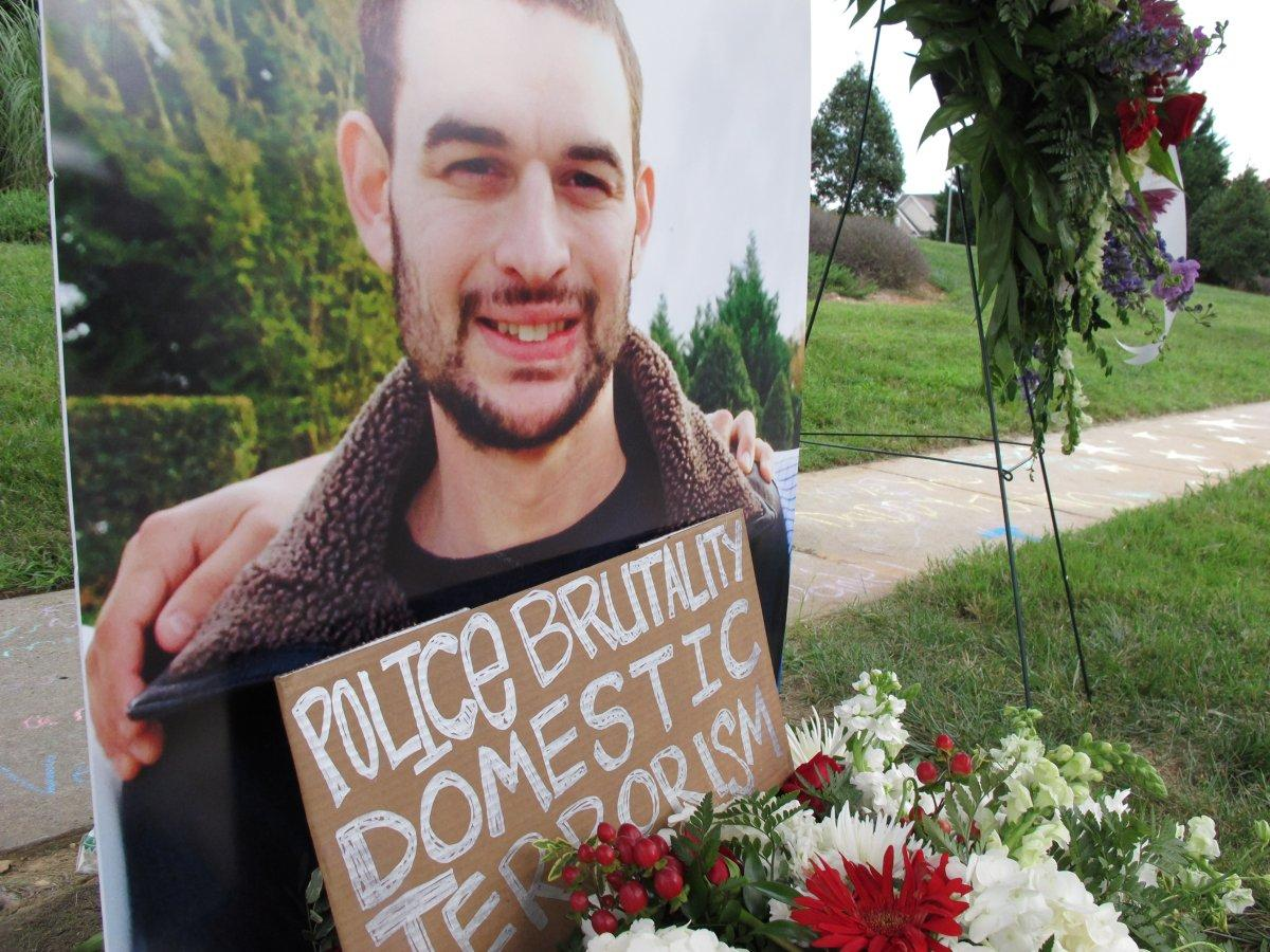 An unarmed deaf man killed by North Carolina cops was on a 100 mph chase before he was shot