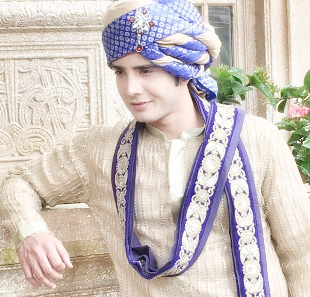 Zaan Khan Smile SonalVengurlekar_fc (@...
