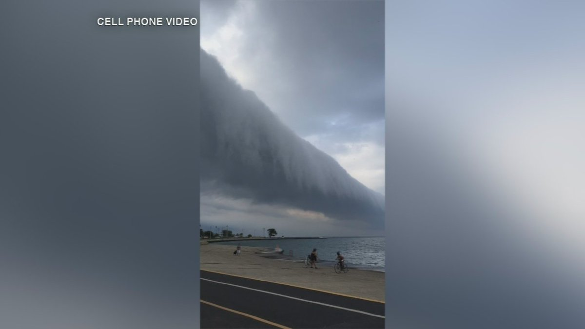 A rare roll cloud rolled over Chicago today