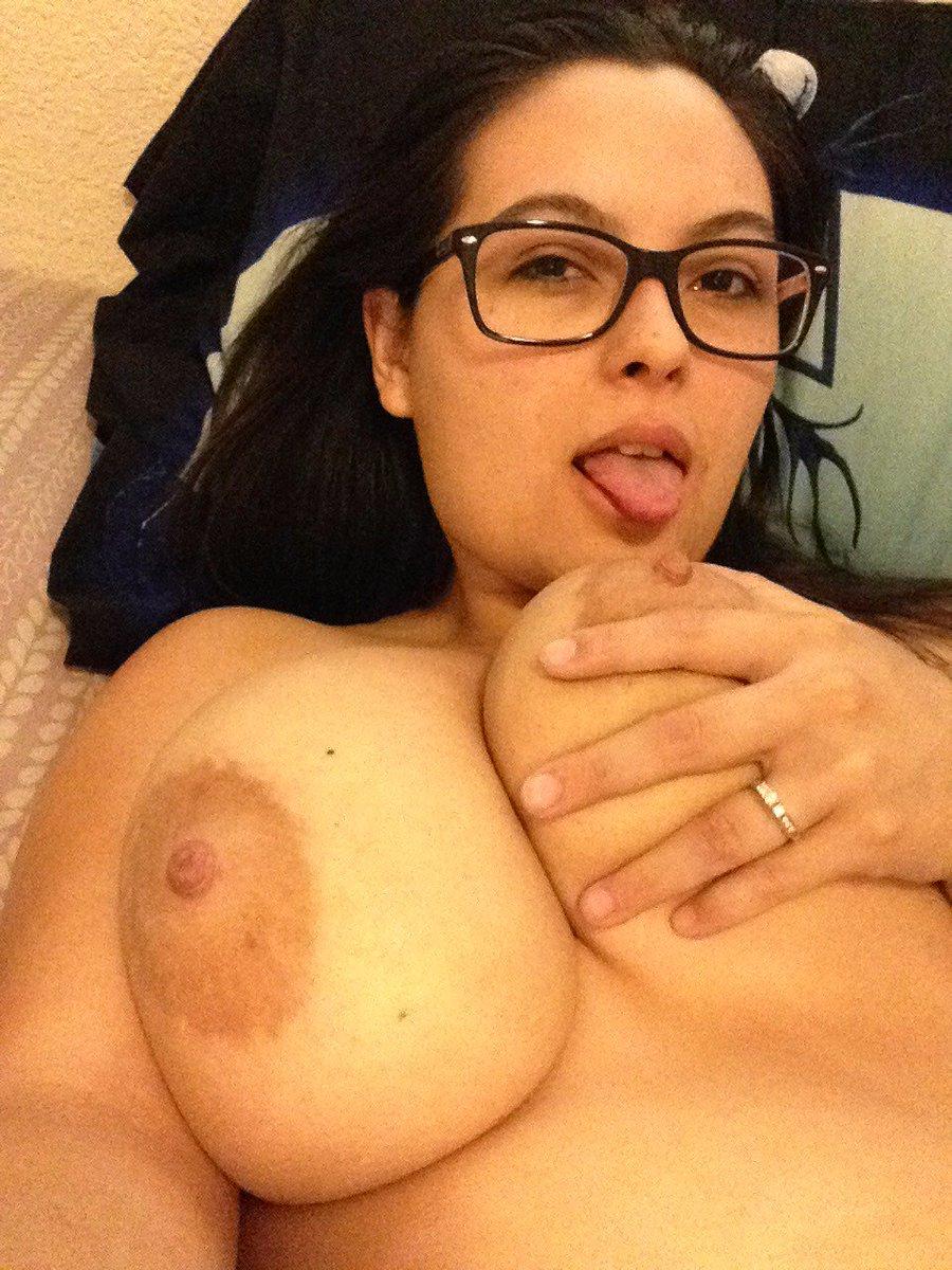 Nude Selfie 8211