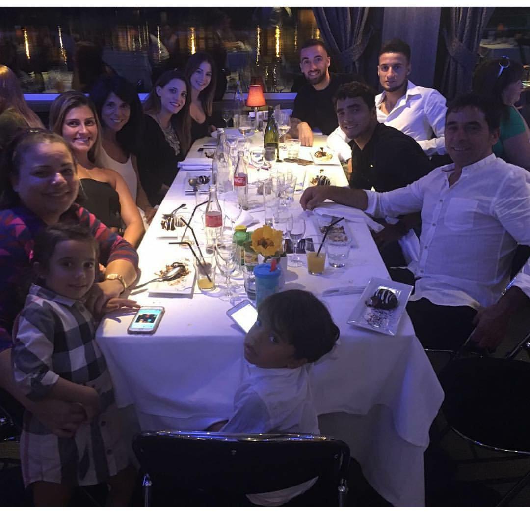 Hier soir repas entre sergi darder rafael mammana for Entree repas famille