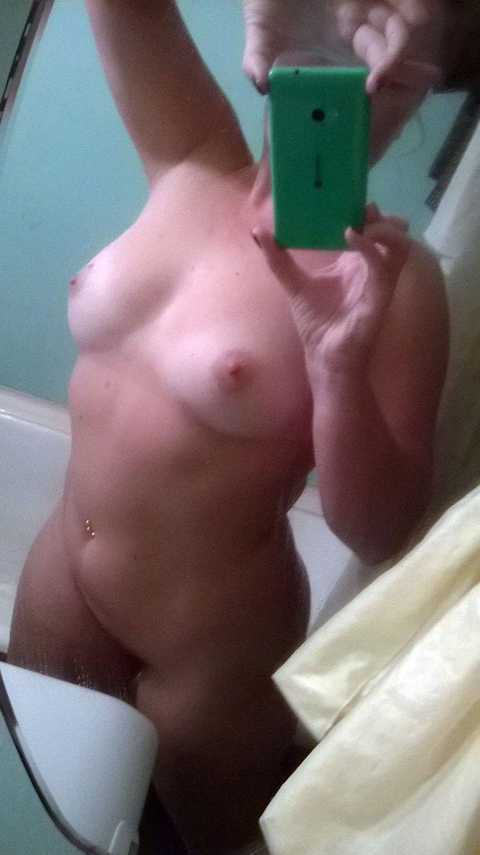 Nude Selfie 8124