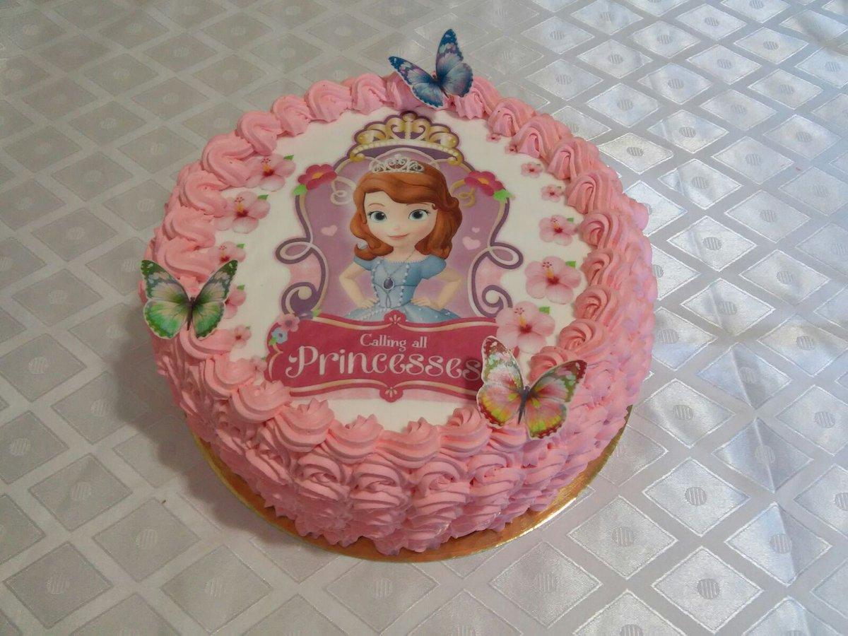Торт с вафельной картинкой для девочек