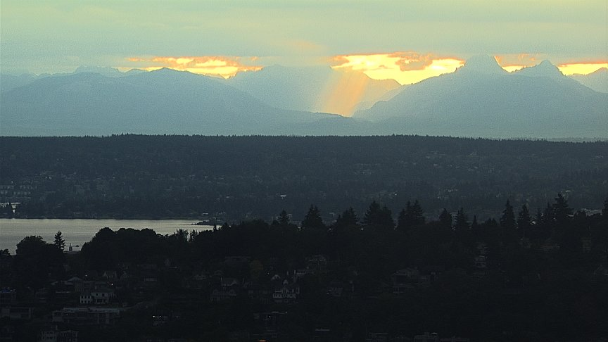 Glorious morning view as rays of sunlight break through the clouds.k5summerwawx