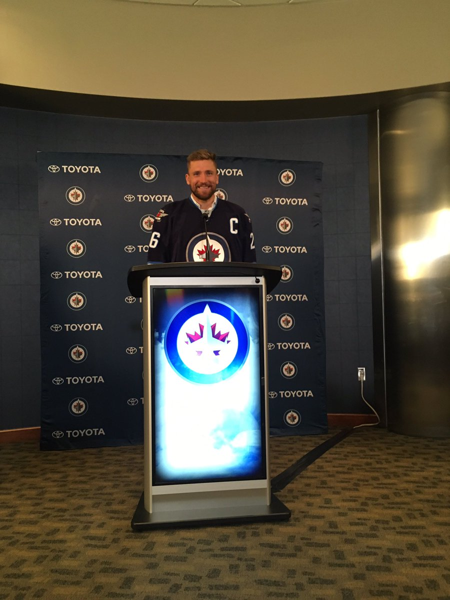 There is that C folks.  Blake Wheeler wearing his new Winnipeg Jets uniform. https://t.co/g0jsbrVJau