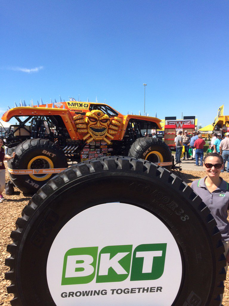 RT @MachineryPete: Monster Truck stopping traffic @BKTtires at Farm Progress Show https://t.co/u10l8GAC9Z