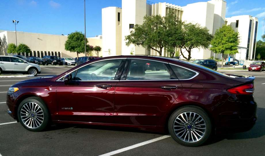 2017 Ford Fusion Hybrid Antium Is Comfy But Gas Mileage Disoints Https