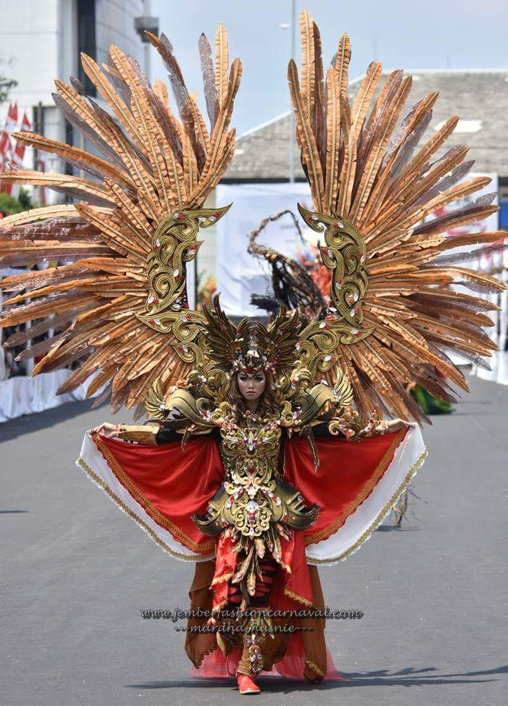 If Saint Seiya The Movie is going to be produced, they should find the Gold Cloth designer in Jember. https://t.co/6ByLJF7dSf