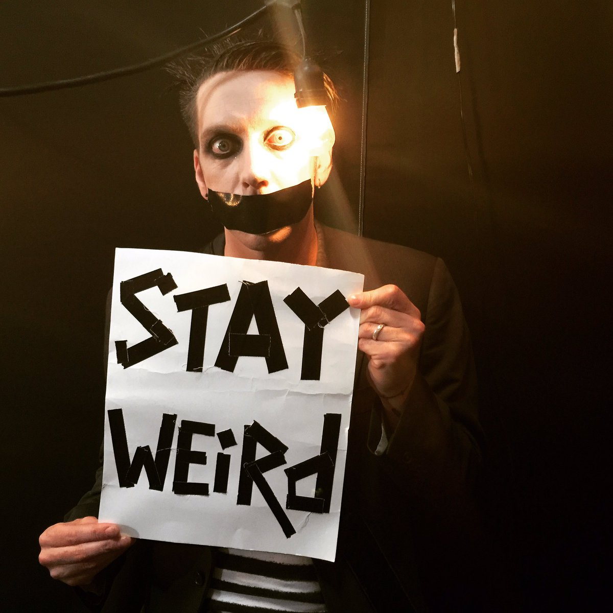 I love you all. #tapeface #stayweird #silentones https://t.co/ZE4XEVvaWT