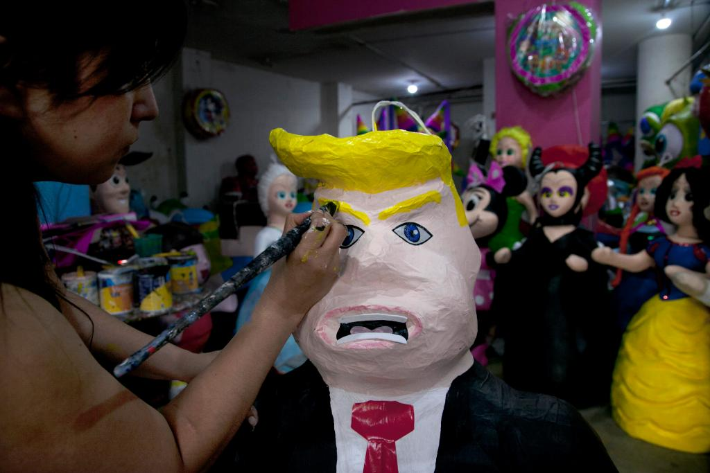 Mexico angry at president's 'humiliating' meeting with Trump
