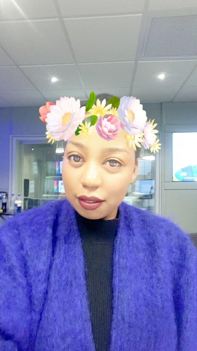 Sibongile mafu on twitter happy kinda spring day real flower sibongile mafu on twitter happy kinda spring day real flower crown vs snapchat flower crown filter izmirmasajfo