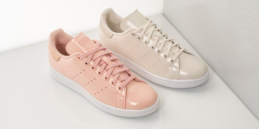 The women s exclusive  adidasOriginals Stan Smith Patent sets it all  straight. Available this week online   instorepic.twitter.com U5NZFunNId a36ae1be9