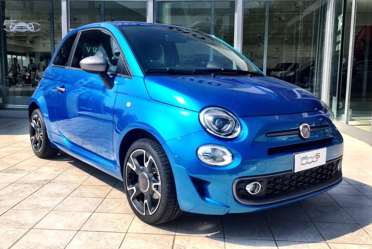 Satiri auto on twitter fiat 500s blu italia we all love for Fiat 500 interieur