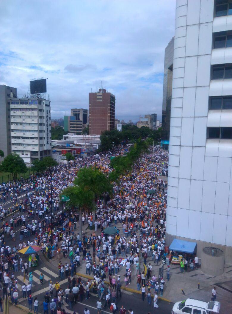 Thumbnail for Venezolanos se movilizan este 1S por la libertad y el revocatorio