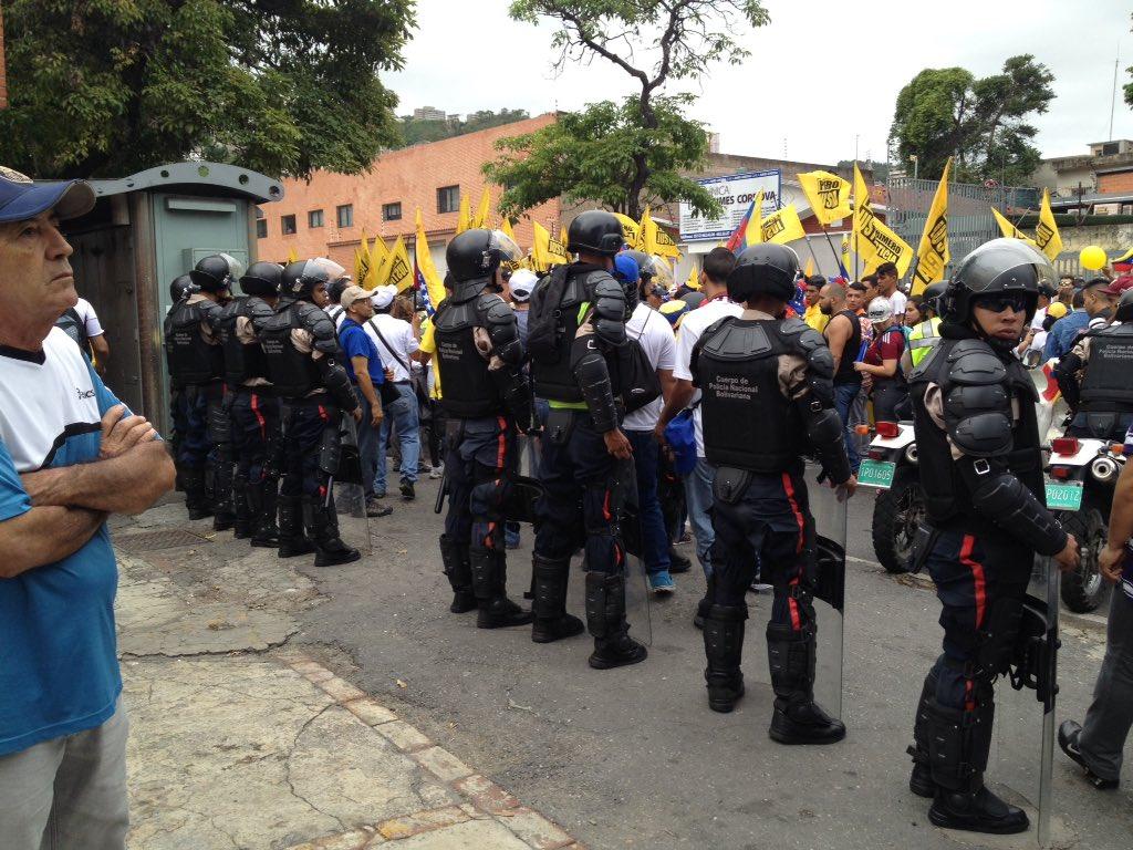 Thumbnail for Fuerte despliegue de seguridad por marcha del 1S