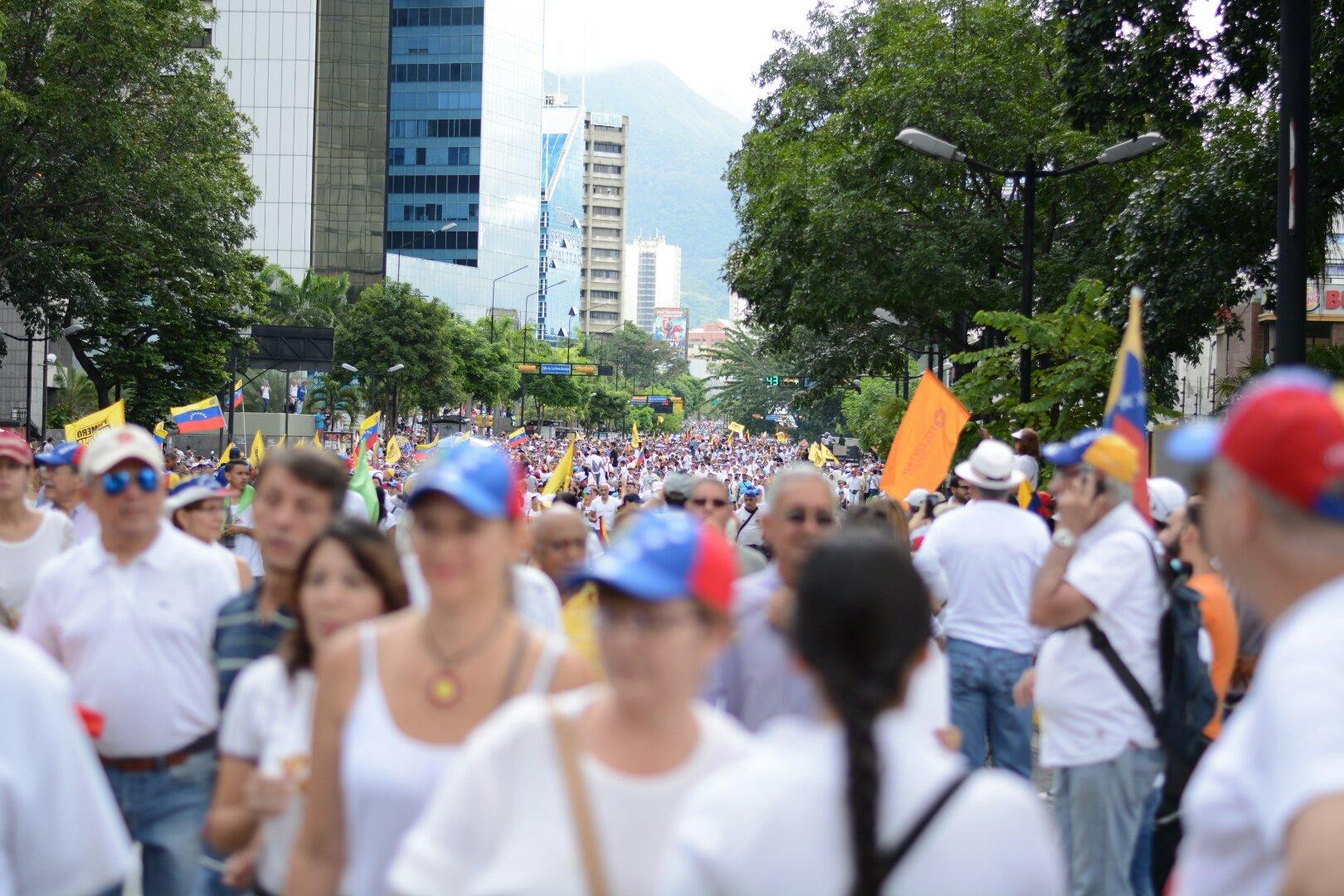 """Thumbnail for Este 1S venezolanos salieron a hacer la """"Gran Toma de Caracas"""""""