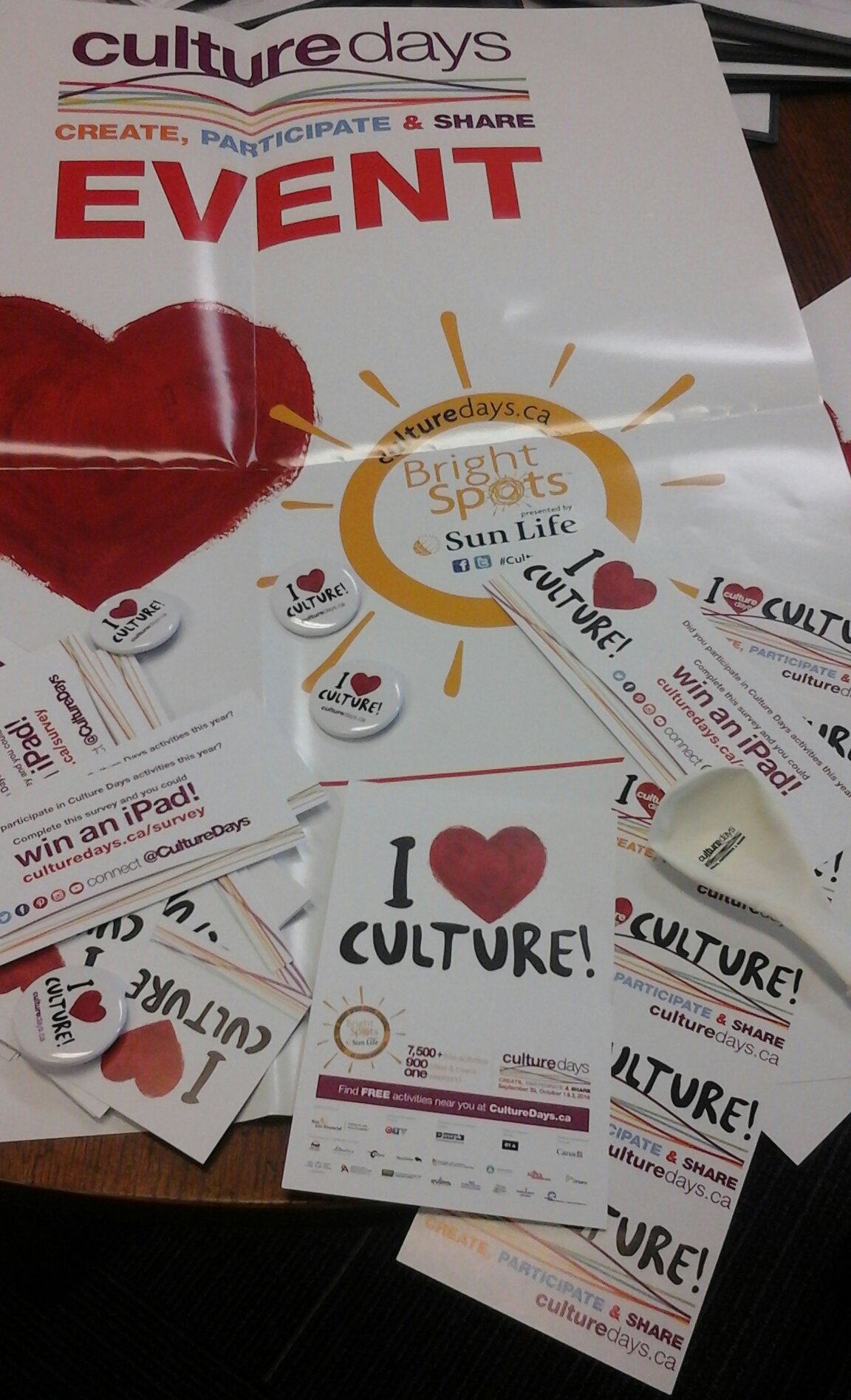 @ONCultureDays look what arrived. #CultureDays in #Whitby w/ @stationgallery @whitbylibrary @RawWhitby @TownofWhitby https://t.co/py2aB4P2Ty