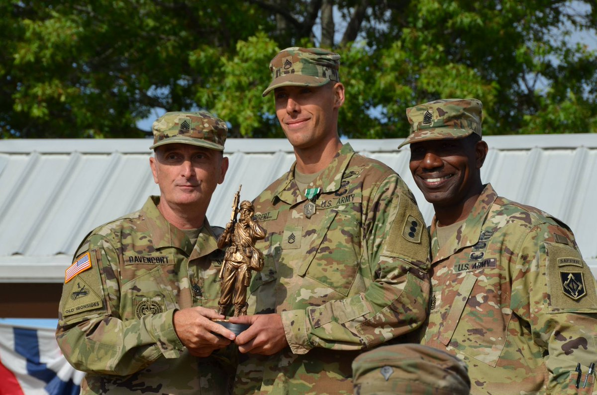 Announcing TRADOC's NCO & Soldier of the Year: SSG Nicholas Bogert, Fires CoE & SPC Kenneth Vice, Maneuver CoE HOOAH https://t.co/4I4mTOXxSx