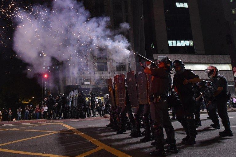 PM protege direita e ataca opositores de Temer. Entrevista com tenente-coronel da PM-SP https://t.co/KeKx9QSpcb