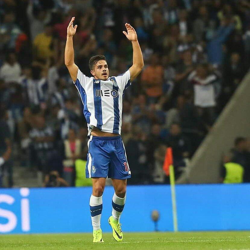 Parabéns André, pela primeira internacionalização A.   #FCPorto #portugal