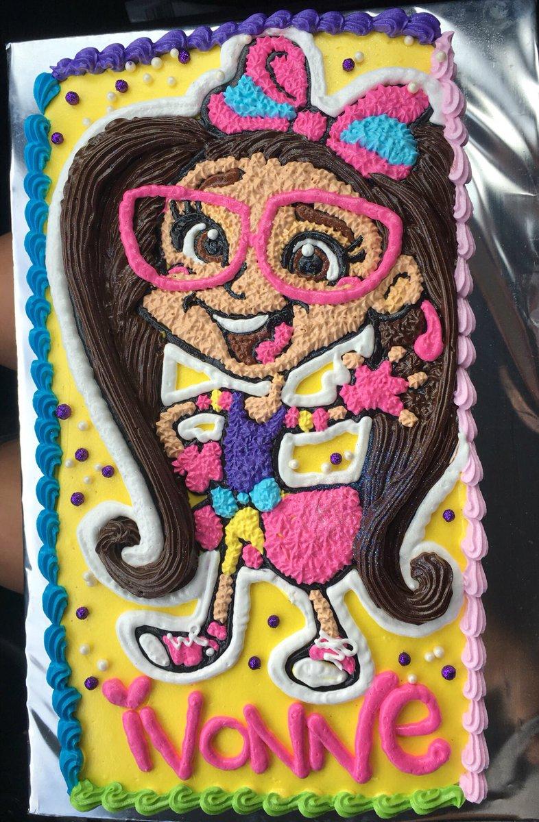 ❤️ gracias @nicotronick por el hermoso y delicioso pastel de @MarucaGalindo para el cumpleaños de mi tía #Ivonne ❤️ https://t.co/NJZlhD2TTF