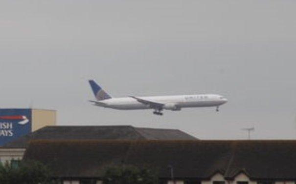 #UA169 Venice-Newark (767 N59053) just erted to LHR w/ unsecured door. Cams //airportwebcams.net/london-heathrow-airport-webcam/ u2026 & ua169 - Twitter Search pezcame.com