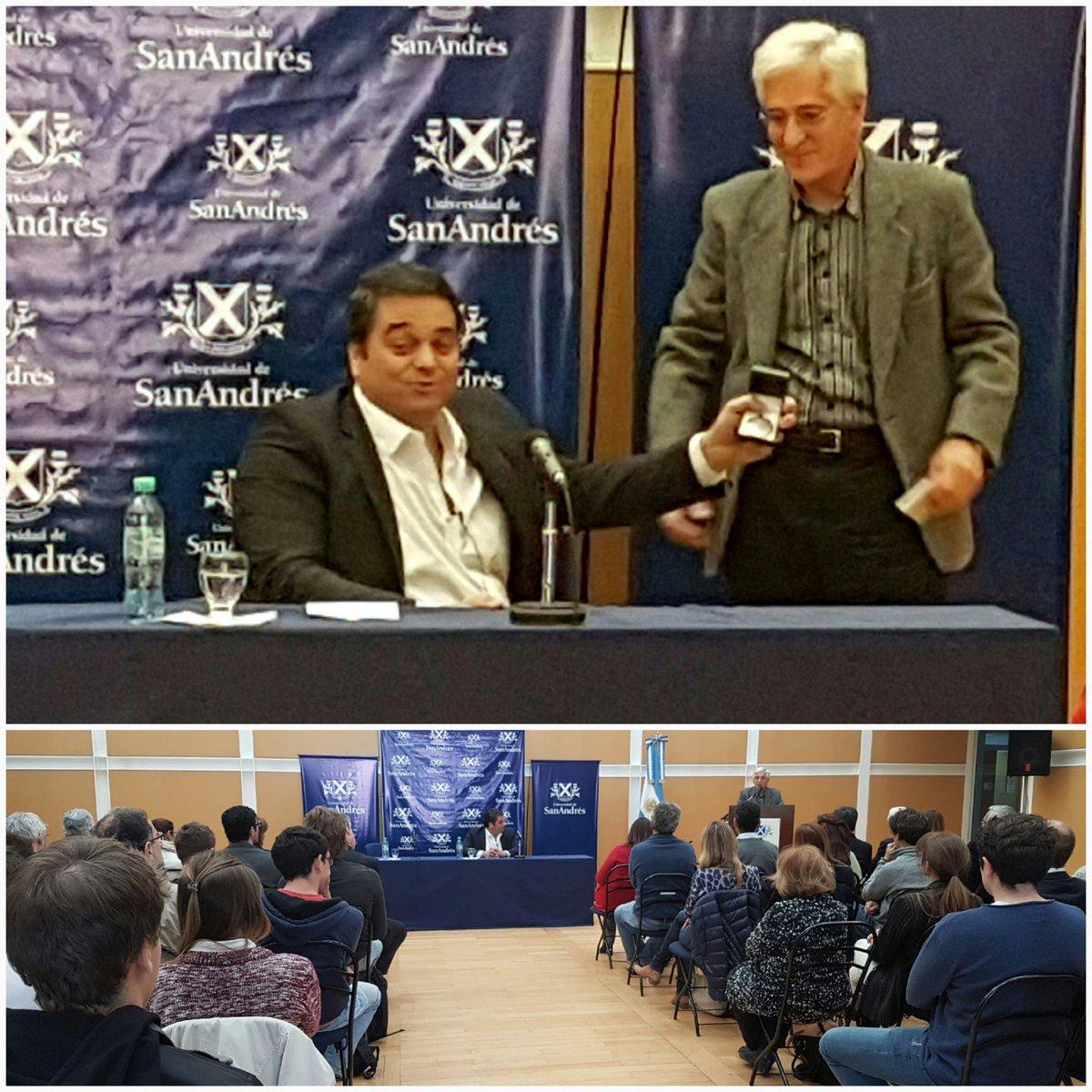 Felicitamos a Jorge Triaca, Ministro de Trabajo, Graduado de la 4a Promoción, reconocido como Graduado del Año https://t.co/u2EqUNOHti