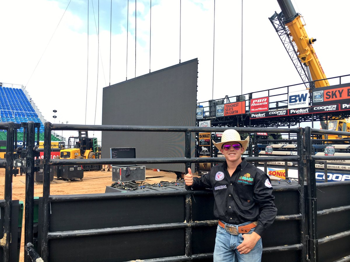 The top 15 bulls against the top 15 riders in the world will be right here this weekend. Get ready. #PBRTHACK https://t.co/1ioptjg36f