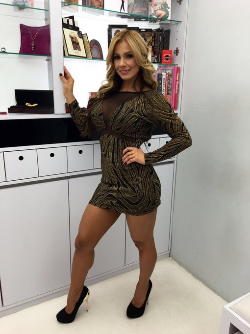 En la tienda de cositas eróticas mas linda de Bogota, muchos Besitos y gracias por todo...😘😘😘 https://t