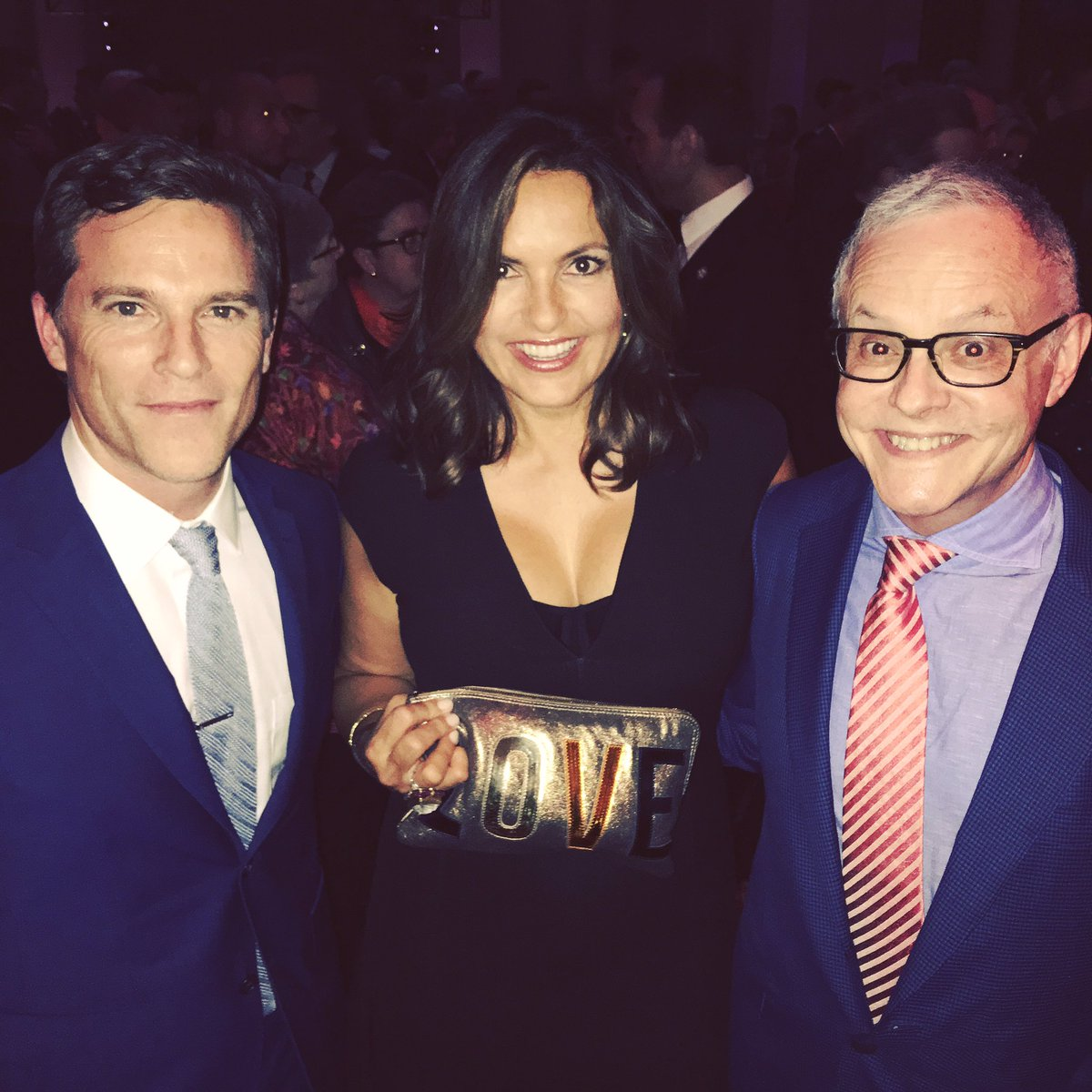 Reunited with the man who brought us together @therealmariskahargitay @nealbaer . Out supporting @hillaryclinton https://t.co/kuaEZlVJFy