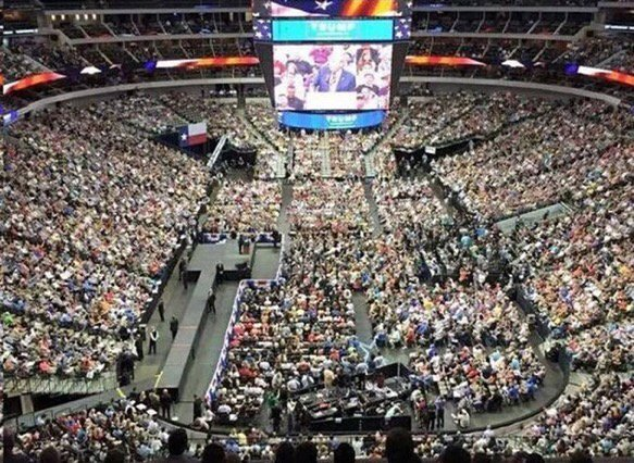 Look at the #BasketOfDeplorables in Pensacola Florida last night! What a horrible statement. #CrookedHillary https://t.co/GfevT0KUjd