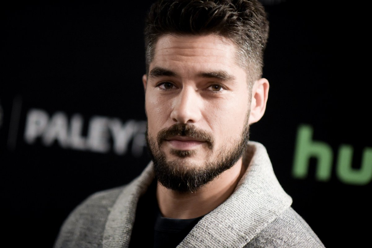 DJ Cotrona Online On Twitter Photos From Dusk Till Dawn - Dj cotrona hairstyle