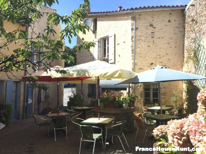 Prime Business Opportunity in one of France's Prettiest Villages - Vendée France €290,000 https://t.co/CavmtJKs8R https://t.co/izbI7qS4Y7