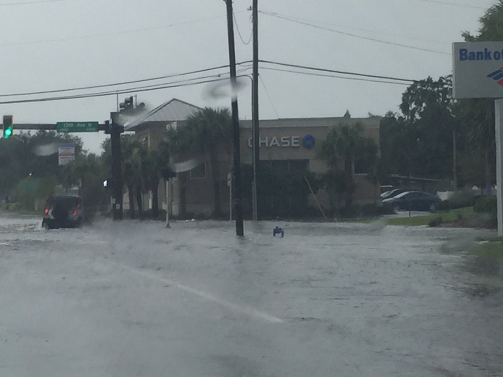 @bn9weather near Tyrone Mall on 66th very flooded streets and intersection. https://t.co/GANBCOUbK1