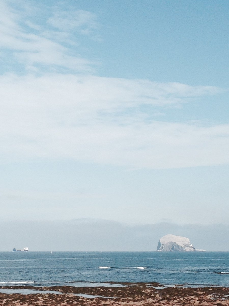 @SeabirdCentre just wanted to share my pic of bass rock when was visiting last Sunday. It's so beautiful up there https://t.co/rGr7Zv7oga