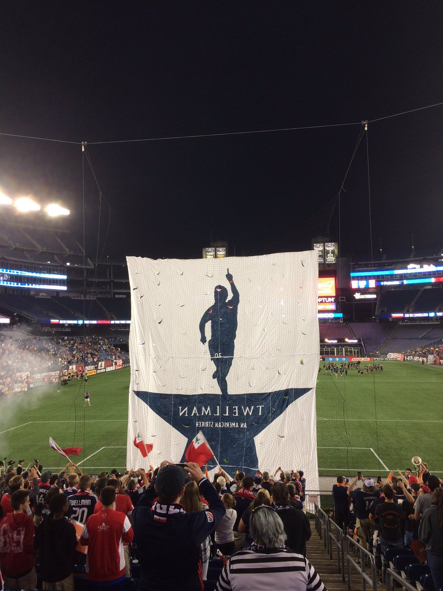 The @MidnightRiders tifo from the Fort side @TaylorTwellman https://t.co/Ok0ACdGIV6