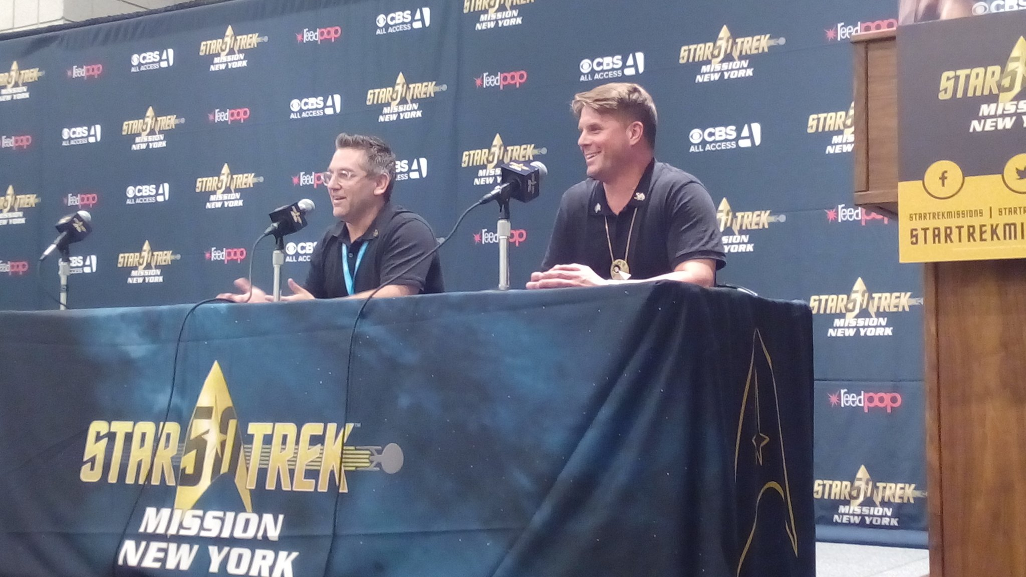 """Does anyone know what film is?"" So its come to that, eh? #StarTrekNY https://t.co/NabFSweJsP"