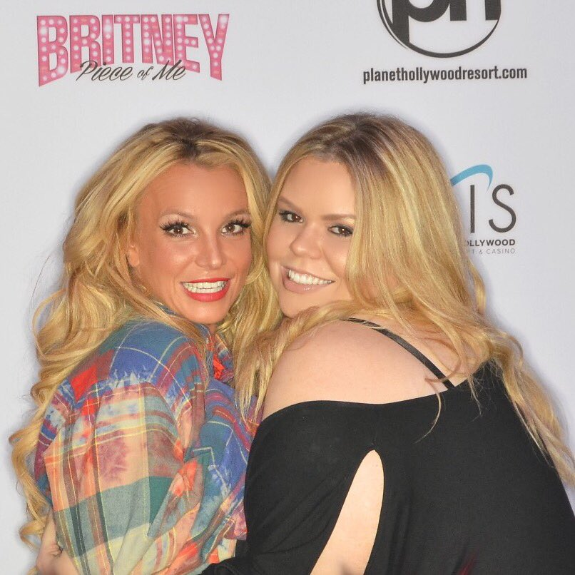 Thank you @britneyspears meeting me again! I love you! #PieceOfMe https://t.co/EaILjJsOGj