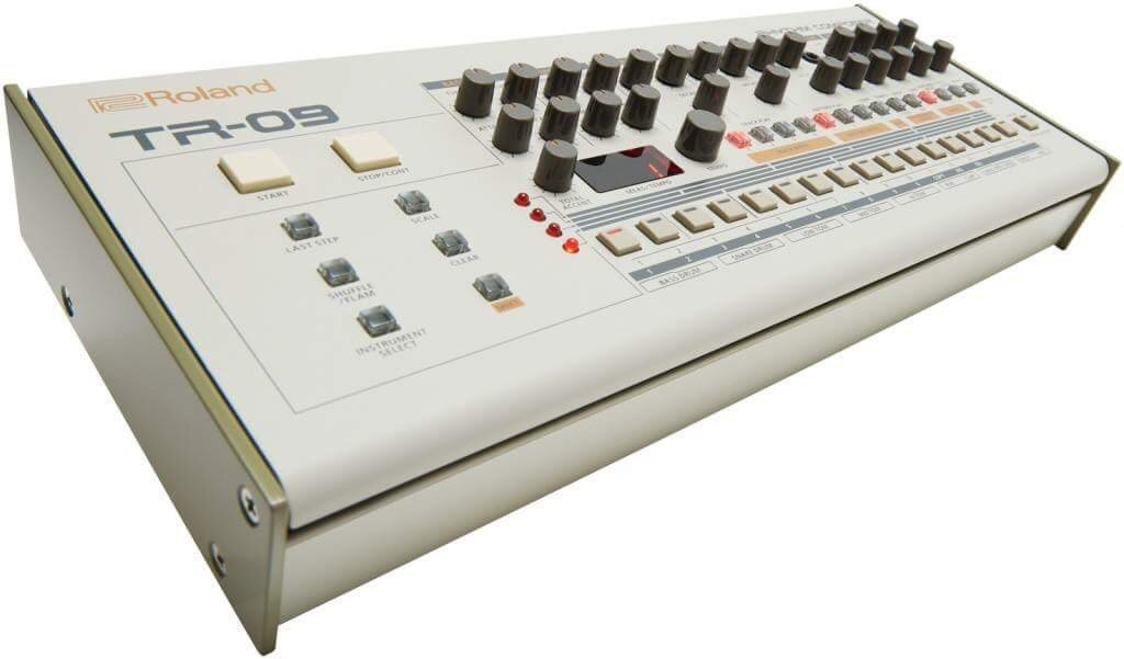Roland leak TR-09 - TB-3 - Vocoder VP-03 Boutique series and the System 8#roland #leak https://t.co/2qaE1gnLls https://t.co/A3nYW6Zhkp