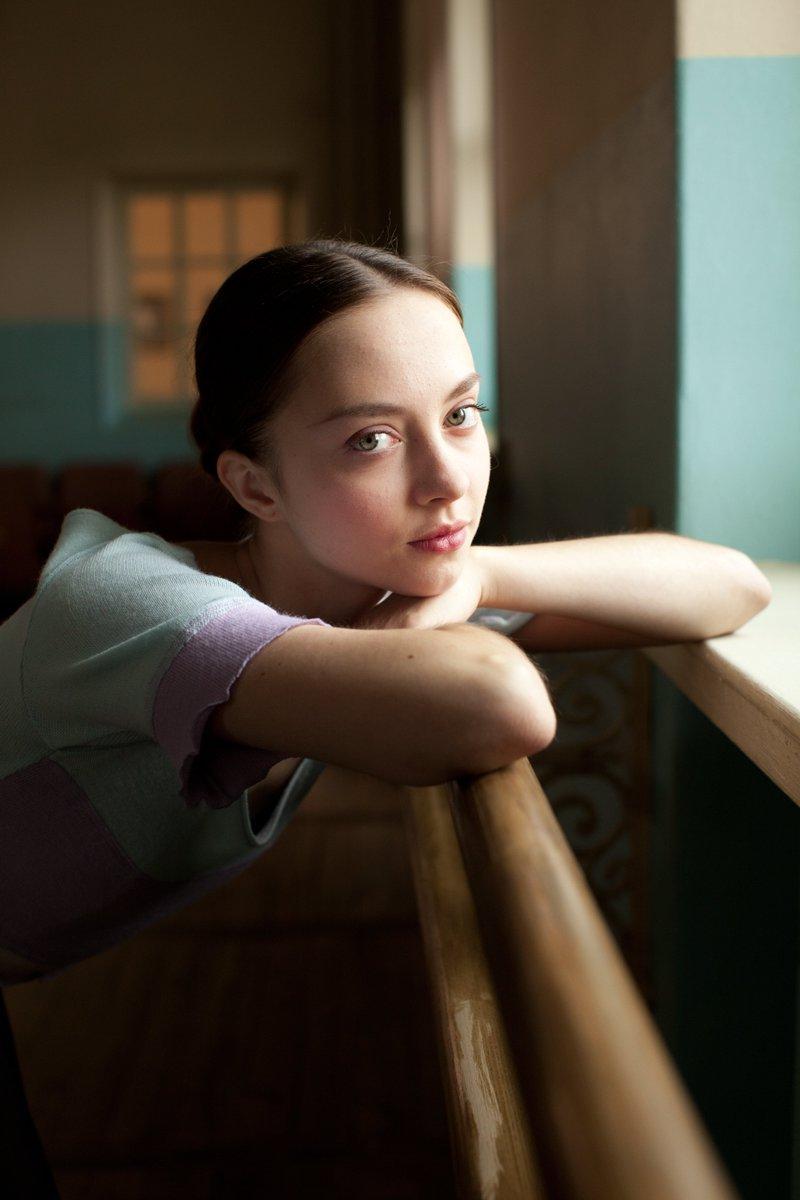 """Anastasia Shevtsova è la ballerina del film Polina- Danser sa vie tratto dal graphic novel. https://t.co/BNRiJMFa0J"""""""