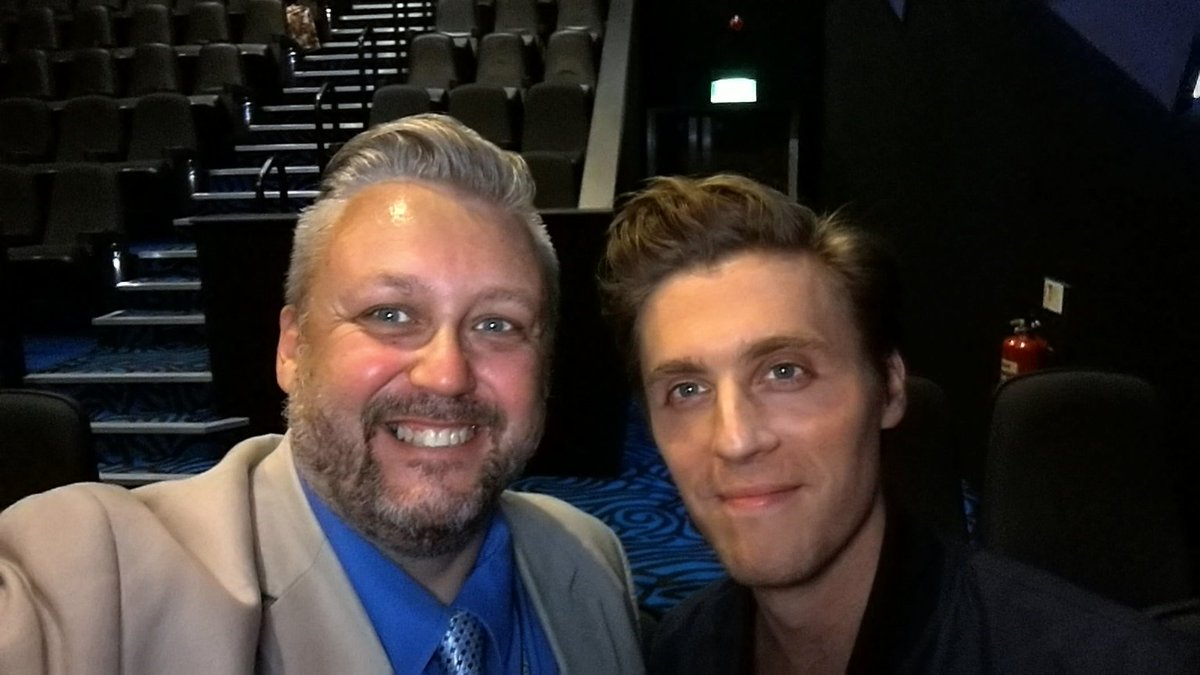 His character may be evil but Jack Farthing is lovely in real life #PoldarkCornwall @PoldarkTV @BBCCornwall https://t.co/0JB2x1VP8Y
