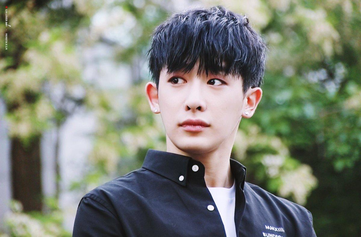 ผลการค้นหารูปภาพสำหรับ wonho black hair