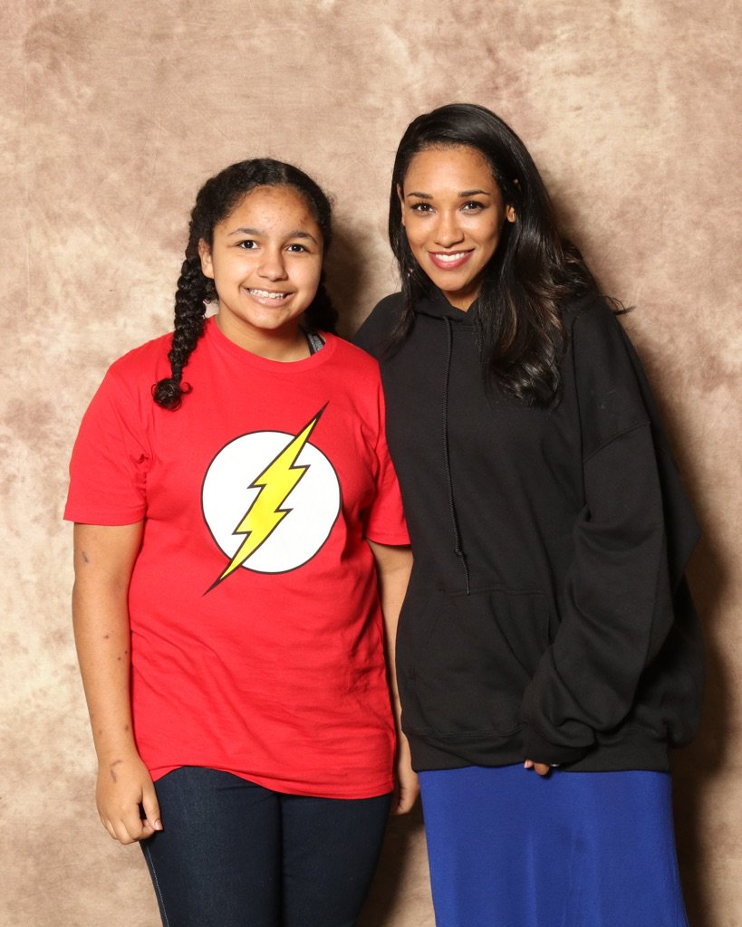 @candicekp my daughter & I had a great time at your panel/signing/pictures today.... https://t.co/8YVeDJKBCk https://t.co/YFPQQGTKFL