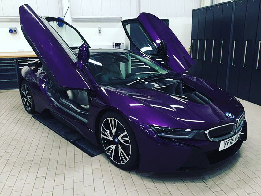 Driveelectric On Twitter This Unique Inside The Bmw Garage I8 In