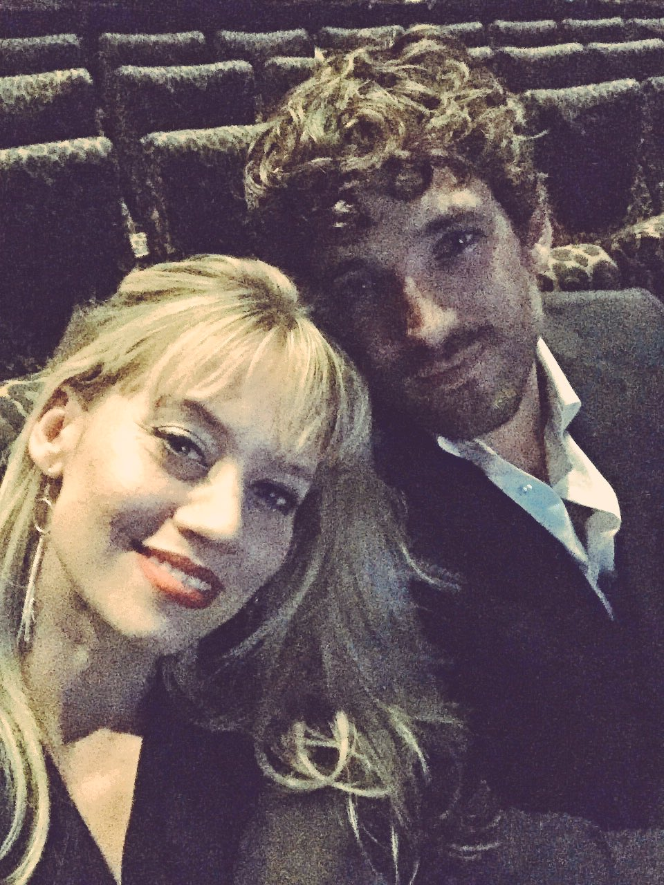 #BrigitteJones premiere!! Husband makes a cameo! Can't wait!!!! 🙌🏾✨✨❤️❤️❤️ @max_rogers https://t.co/CEqO1iFdBZ